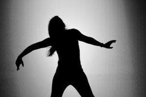 """TEASERS – QUIMERA, BUSCANDO ENTRE LAS ARISTAS Entrevistas de Arturo Parrilla y de Elena Bolaños sobre la creación en residencia artística de """"QUIMERA, buscando entre las aristas"""" de Apasionaria en el Espacio Santa Clara de Sevilla, el 31 de Agosto de 2018, en el banco de proyectos del Instituto de la Cultura y las Artes de Sevilla ICAS. #icas #bancodeproyectos #quimerabuscandoentrelasaristas #residenciaartistica #perfomance #Apasionaria"""