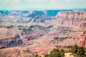 ROAD TRIP USA 2019 #6 / GRAND CANYON / TRAVEL VLOG Grand Canyon es también conocido en español como el Gran Cañón del Colorado, es una vistosa y escarpada garganta excavada por el río Colorado en el norte de Arizona, Estados Unidos, dentro del Parque nacional del Gran Cañón. Grand Canyon fue declarado Patrimonio de la Humanidad en 1979 por la UNESCO. Visitamos desde el Grand Canyon Village al Desert View. #GrandCanyon #GranCañóndelColorado #ParquenacionaldelGranCañón #Arizona #Colorado #DesertView #GranCañón #Route66 #ruta66 #usa #eeuu #roadtrip #traveltrip #travel #voyage #viaje #roadtrippers #beautifuldestinations #landscape #mytraveldiary #ontheroad