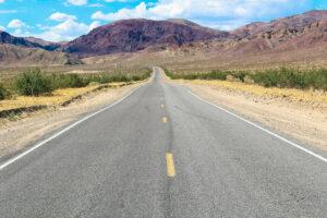 ROAD TRIP USA 2019 #1 / DE CALICO A BAKER / TRAVEL VLOG Nuestro Road trip empieza por Calico que es un Ghost Town ( pueblo fantasma) en el desierto de Mojave de California. En la ruta Las Vegas, pasamos por Baker que tiene el The World's Tallest Thermometer y el Alien Fresh Jerky. #California #Calico #GhostTown #Mojave #TheBalladofCalico #desierto #TheWorldsTallestThermometer #Baker #AlienFreshJerky #desierto #lasvegas #Route66 #usa #eeuu #roadtrip #traveltrip #travel #voyage #viaje